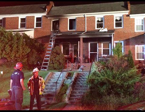 A casa após incêndio (Reprodução/Facebook/Baltimore City Fire Department  )