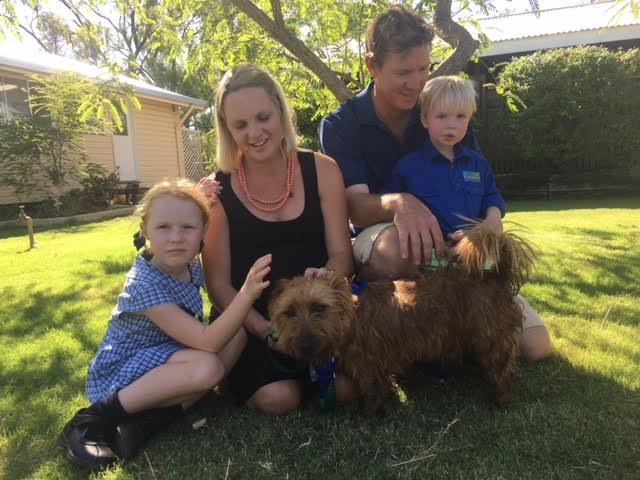 Rusty e família, ao voltar para casa